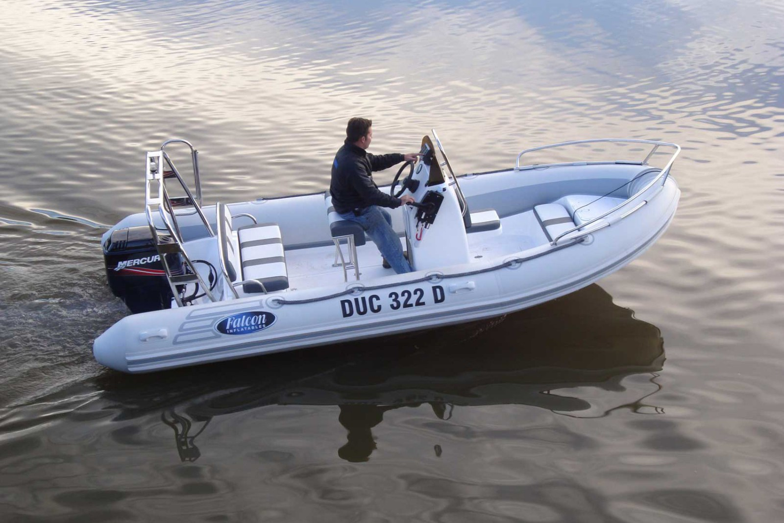Falcon 520 Rigid Inflatable Boat